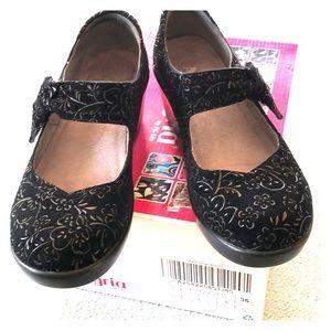 Algeria Women's Shoes